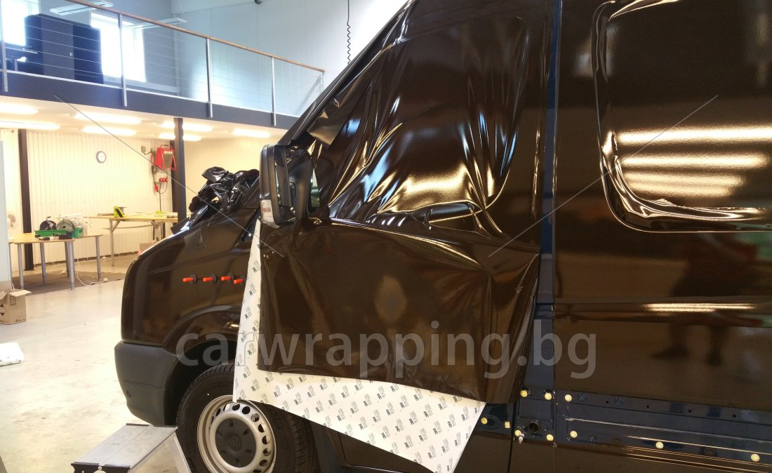 VW Crafter - UPS foliering car wrapping
