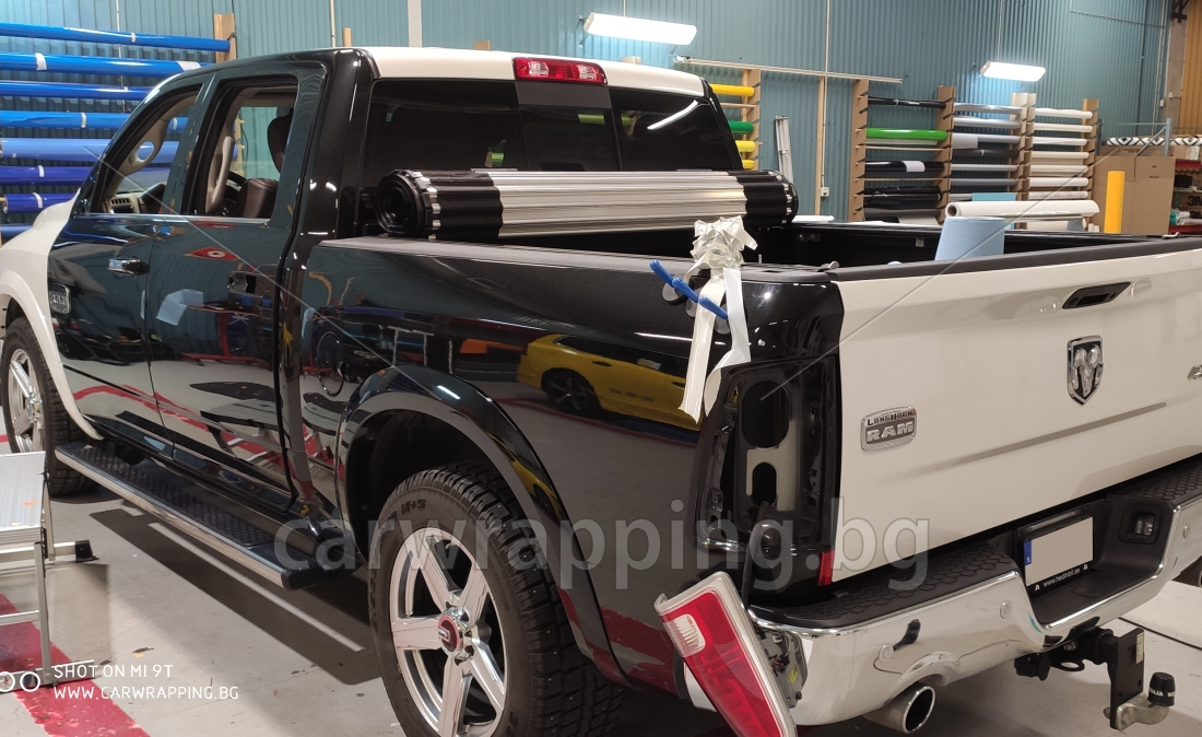 Dodge RAM 1500 Laramie LongHorn - 2